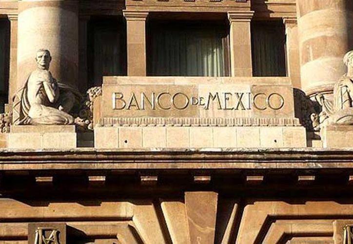 El Banco de México (Banxico) fijó el tipo de cambio del dólar en 13.52 pesos. (Agencias/Archivo)
