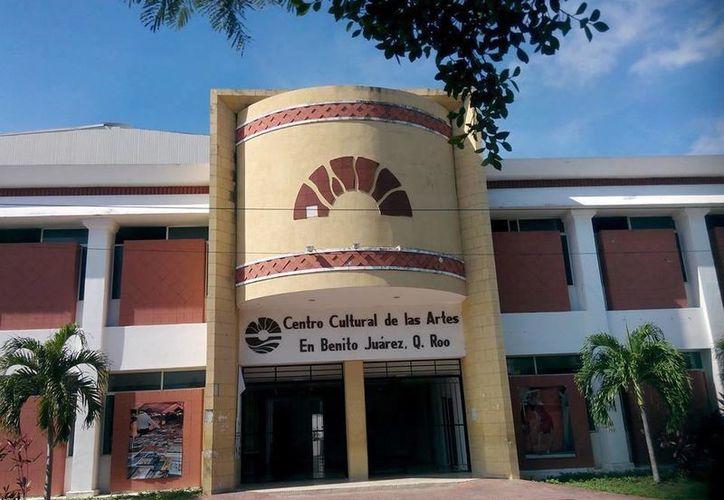 Durante dos meses, cada jueves a las 20 horas se llevará a cabo el ciclo de conferencias. (Alejandra Flores/SIPSE)