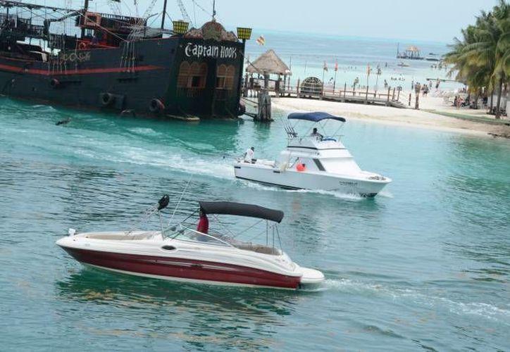Los Asociados Náuticos de Cancún ayudarían a los estudiantes para que practiquen las reparaciones con los navíos. (Redacción/SIPSE)