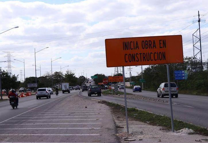 Se tendrán que tomar rutas alternas debido a la modernización del distribuidor vial a Progreso.  (Jorge Acosta/SIPSE)
