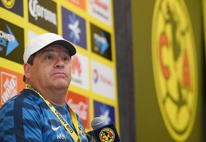 Miguel Herrera no se notó preocupado por las cuatro bajas que tiene su equipo. (Mexsport).