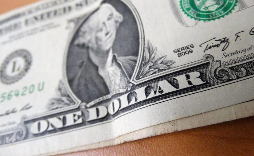 Banamex y Santander ofrecen la divisa verde en 18.45. (SIPSE)