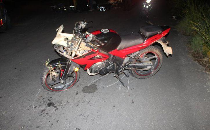 Un menor de edad perdió la vida  durante la madrugada del domingo cuando regresaba de una fiesta a bordo de una motocicleta. (Redacción/SIPSE)