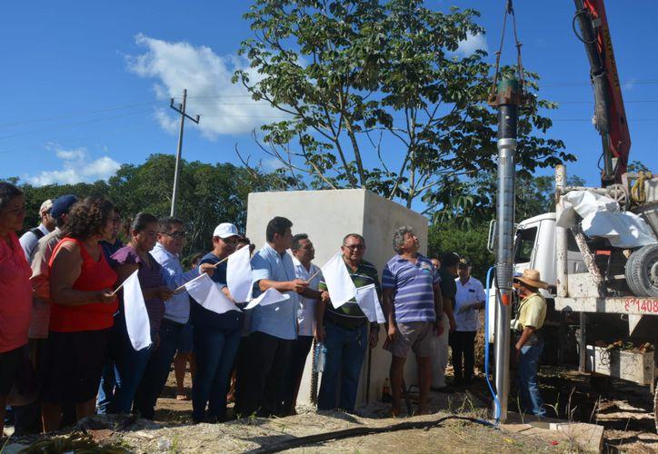 El Secretario de Desarrollo Agropecuario, Rural y Pesca (SEDARPE), Luis Torres, dio el banderazo del inicio de equipamiento de la unidad de producción Flor de Mayo. (Redacción/SIPSE)