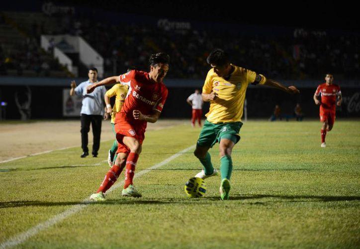 Venados vuelve a comenzar con el pie derecho la Copa Mx. En su primer partido derrota 6-1 a Toluca. (Luis Pérez/SIPSE)