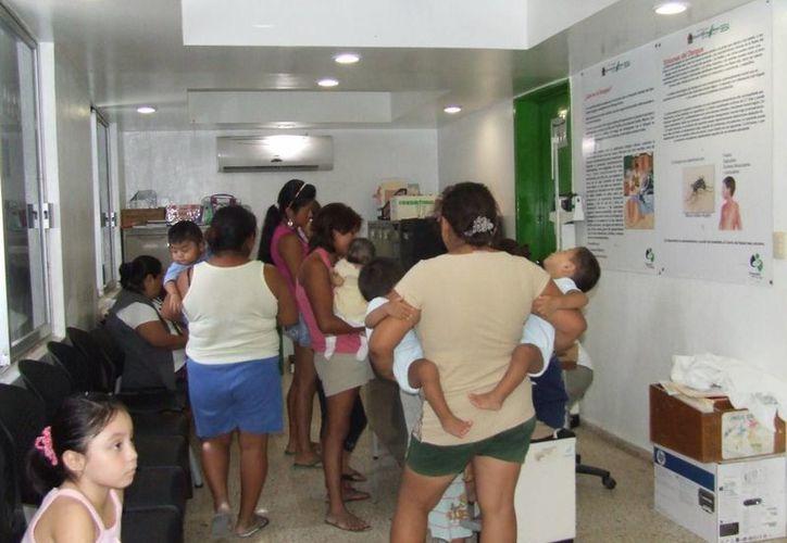 La Dirección de Salud invita a la población a acudir al médico ante síntomas de sarampión o varicela. (Rossy López/SIPSE)
