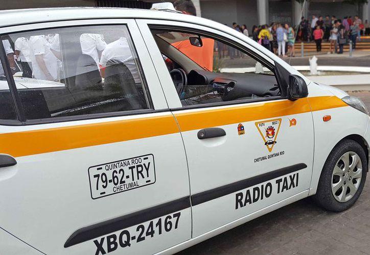 La siguiente semana iniciarán a circular los taxis naranjas. (Jesús Tijerina/SIPSE)