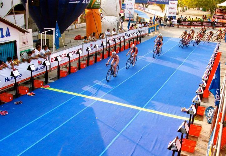Un total de 25 triatletas del estado fueron seleccionados para el evento. (Raúl Caballero/SIPSE)