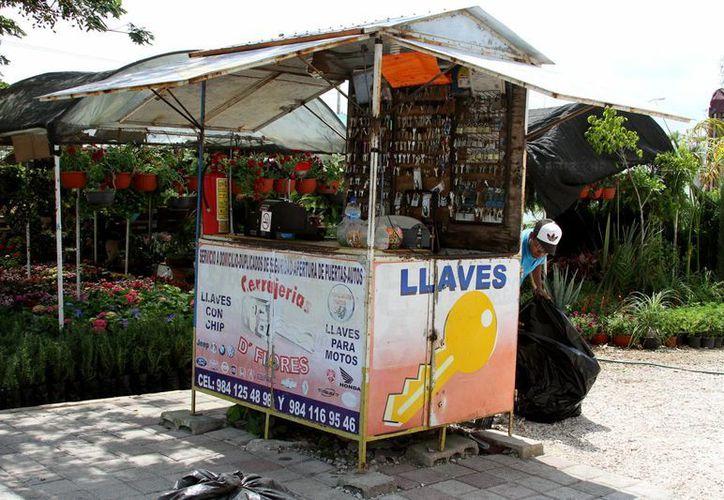 Con la incorporación de los comercios informales al régimen fiscal, se evitará la compra-venta de mercancía de dudosa procedencia, opinan los fiscalistas. (Adrián Monroy/SIPSE)