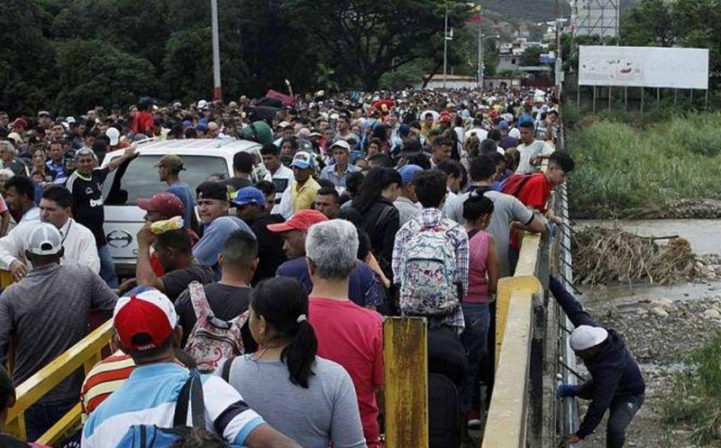 Canciller colombiano visitó la frontera para examinar migración venezolana