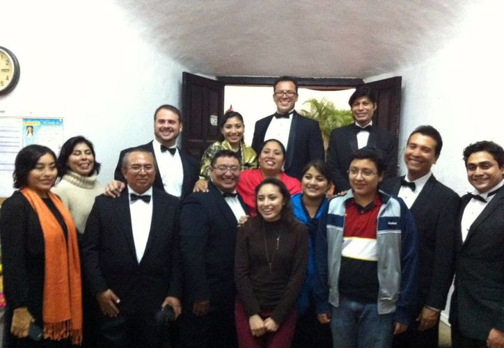 El Coro de Cámara de Yucatán busca rescatar la música coral. Imagen de los integrantes del grupo. (Milenio Novedades)