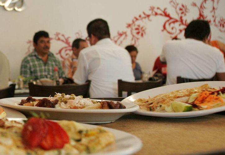 El Día del Padre representa un alivio para la industria de la gastronomía. (Harold Alcocer/SIPSE)