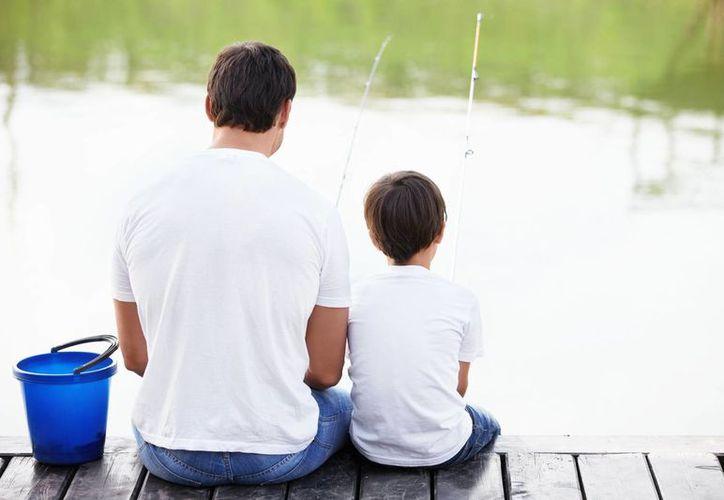 Papás malhumorados afectan emociones de los hijos