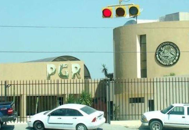 La madrugada del lunes, un comando que presuntamente forma parte del Cártel del Golfo atacó las oficinas de la Procuraduría General de la República (PGR) en Reynosa, Tamaulipas, informaron funcionarios federales. (Milenio Digital)