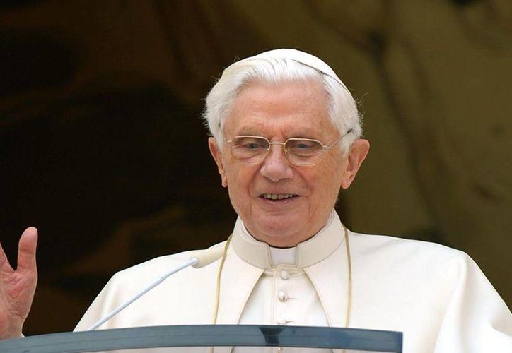 Benedicto XVI cumplirá 90 años durante el 2017, y lidera las predicciones de las celebridades que morirán en el año.(Archivo/AP)