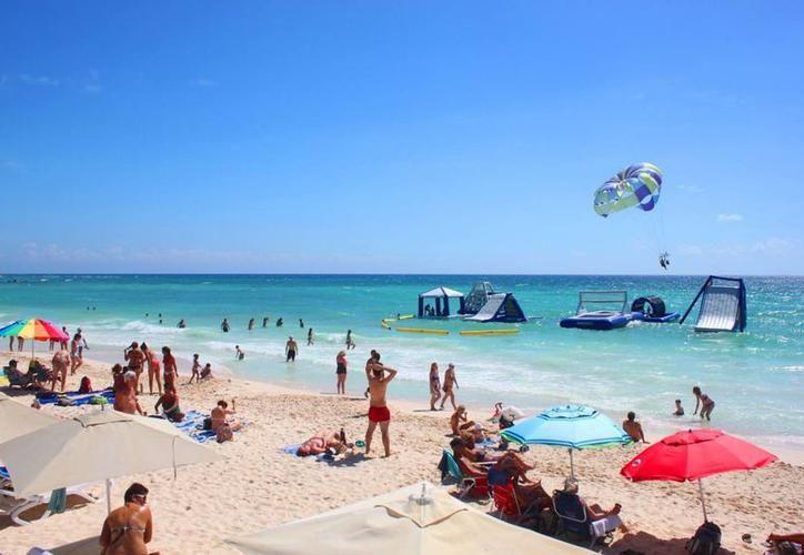 El proyecto pretende realizarse en una superficie de mil 036.22 metros cuadrados frente a Playa Mamitas. (Contexto)