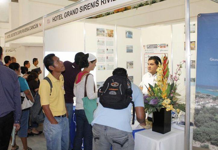 Las personas buscan empleo hacia la Riviera Maya o Playa del Carmen porque estos destinos continúan en crecimiento. (Redacción/SIPSE)