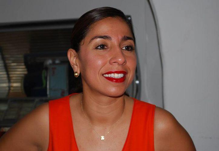 Maribel Villegas Canché durante una conferencia de prensa ayer. (Tomás Álvarez/SIPSE)