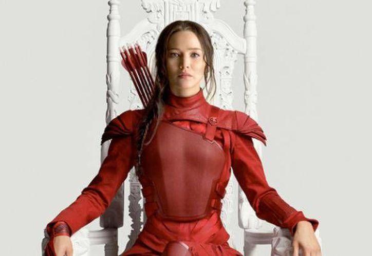 La actriz estadounidense Jennifer Lawrence reveló en un entrevista que no siente parecido entre ella y su personaje Katniss Everdeen, sin embargo, afirma que en algún momento se sintió identificada con ella. (Milenio digital)