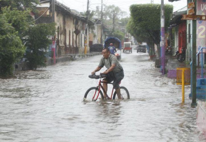 Como medida en Costa Rica,  se suspendieron los servicios no esenciales. (Metro Nicaragua)