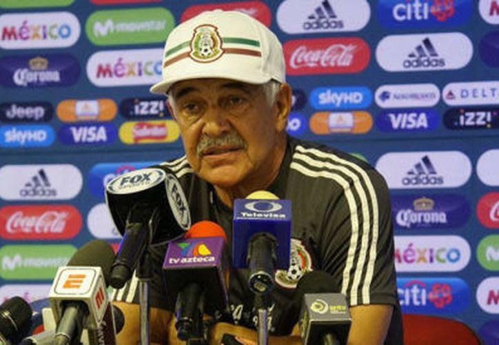 Ricardo Ferretti reconoció que la selección Argentina fue superior a la onceava mexicana durante el primer partido amistoso en dicho país. (Twitter/@SferaDeportes)