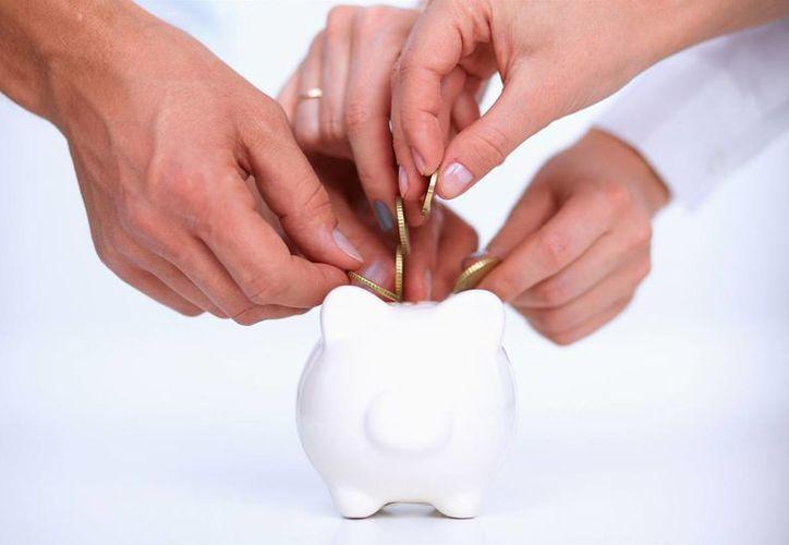 Especialistas recomiendan ahorrar de forma voluntaria para tener una mejor pensión llegada la hora del retiro. (amac.mx)