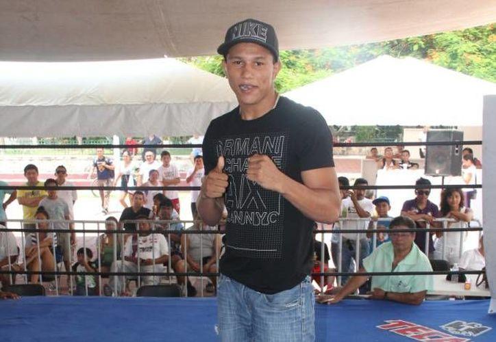 El cancunense incursionó en el mundo del boxeo a la edad de 15 años. (Raúl Caballero/SIPSE)