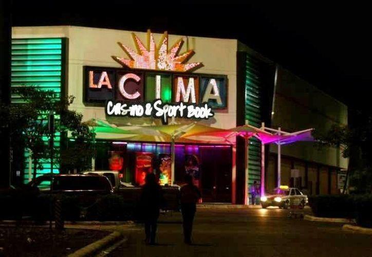 El casino 'La Cima' se vio obligado a cerrar sus puertas por una falla en sus máquinas. (SIPSE)
