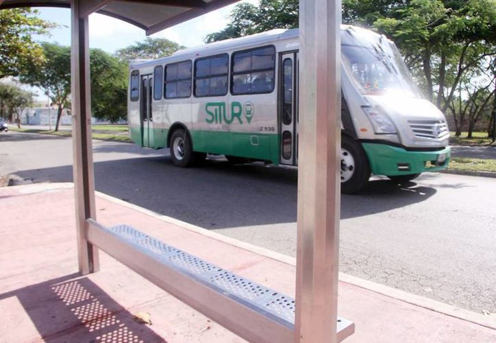 Cada vehículo cuesta un millón y medio de pesos y el Gobierno del Estado apoyará con un subsidio de 300 mil pesos a los concesionarios que participarán en la primera etapa del programa. (Archivo/SIPSE)