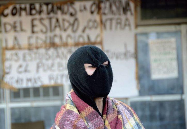 Señalaron que la manifestación no fue por la expulsión de 5 estudiantes del CCH. (Notimex)