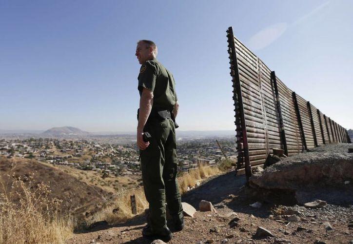 Derechos humanos denuncian cerca de 20 muertes de inmigrantes a manos de elementos de la Patrulla Fronteriza en los últimos cuatro años. (Archivo/Agencias)