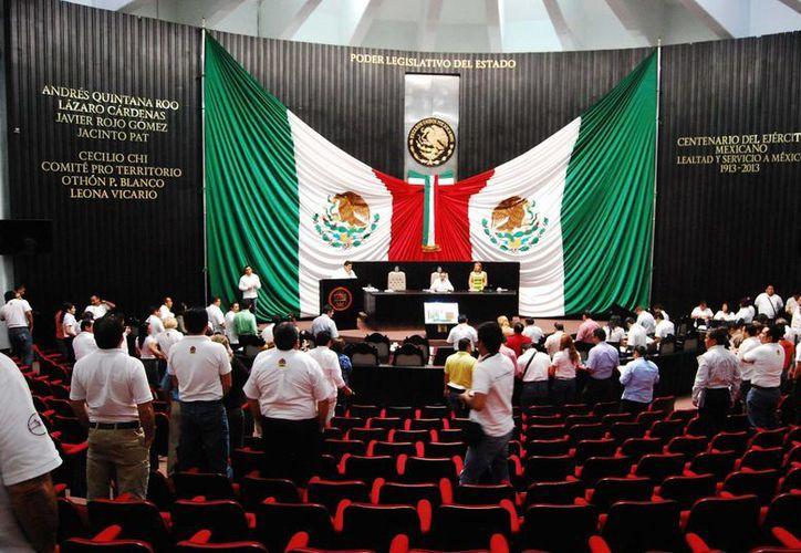 La Legislatura deberá examinar, aprobar o rechazar, las cuentas públicas correspondientes al 2013, a más tardar en el siguiente período ordinario de sesiones, de febrero a mayo del siguiente año. (Harold Alcocer/SIPSE)
