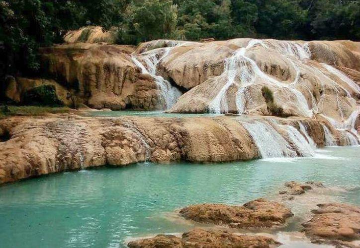 En 20 días presentarán un proyecto integral para salvar las cascadas de Agua Azul. (Contexto/Internet).