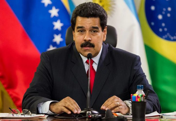 El presidente de Venezuela, Nicolás Maduro, participa en una reunión con los cancilleres de la Unión de Naciones Suramericanas (Unasur), en Caracas. (EFE)