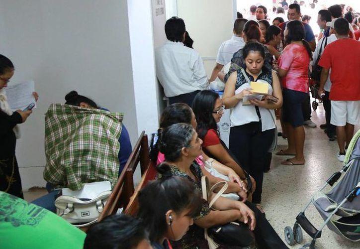 La Secretaría de Salud está fortaleciendo el sistema de vacunación. (Luis Soto/SIPSE)