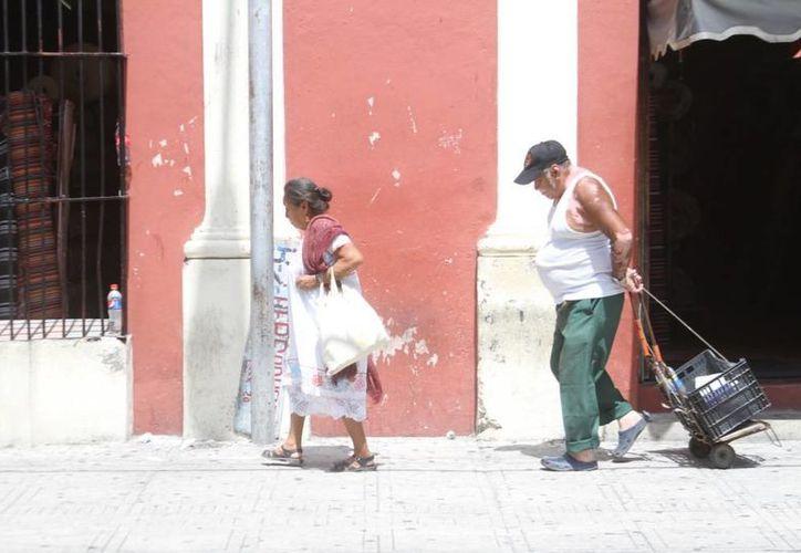 Las altas temperaturas acompañan a los meridanos en este domingo 10 de mayo. (César González/SIPSE)