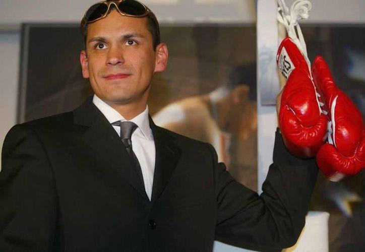 El excampeón mundial de box, Ricardo 'Finito' López, fue el único latinoamericano en ingresar al Salón de la Fama de Nevada este año. (mexsport.com)