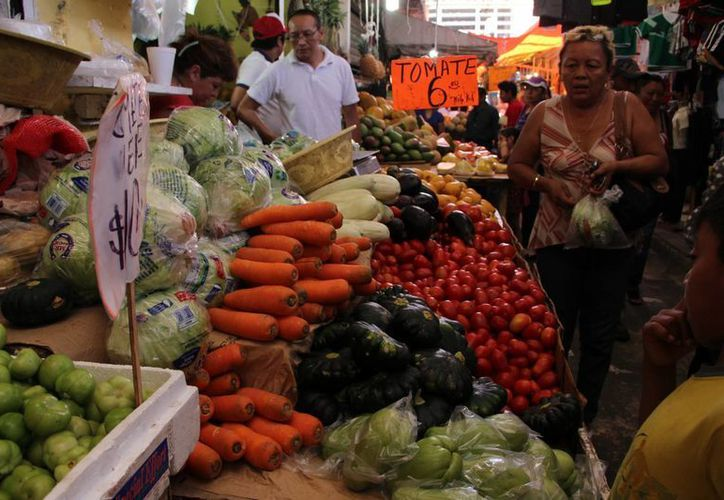 Comerciantes prevén un aumento en los precios de las hortalizas. (José Acosta/SIPSE)