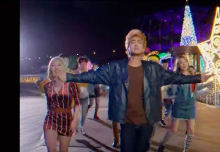 Los integrantes de Super Junior han recibido buenas críticas por traer al presente una canción de 1987. (Foto YouTube)
