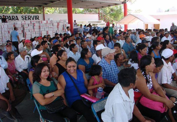 Ya se encuentran divulgando las modificaciones en tiempos que tendrán los programas operados por la Sagarpa. (Manuel Salazar/SIPSE)
