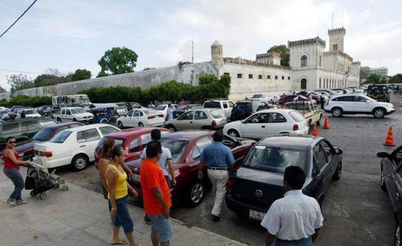 Imagen de uno de los lugares donde hay compra-venta de vehículos en Mérida. (Milenio Novedades)