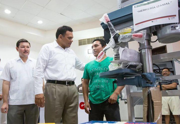 El gobernador de Yucatán, Rolando Zapata Bello, entregará reconocimientos a trabajadores del IEAEY. (SIPSE)