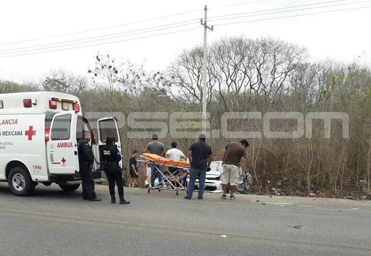 El vehículo en el que viajaban fue impactado por una camioneta cuyo guiador dormitó al volante. (Milenio Novedades)