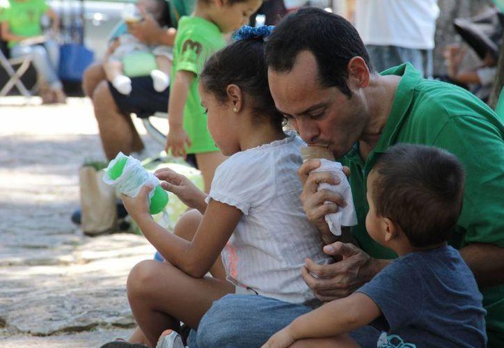 El consumo de granizados está a la orden del día en Mérida.  (SIPSE)
