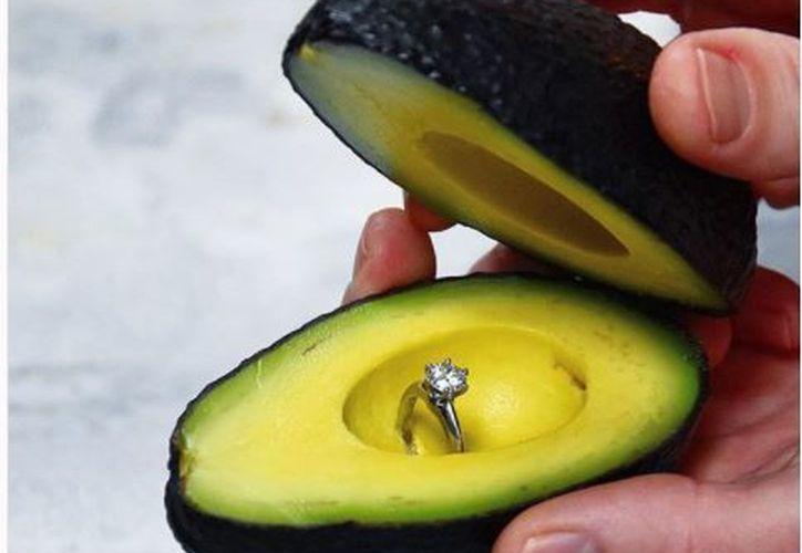 La idea de entregar el anillo de compromiso en un aguacate se volvió tendencia gracias a una publicación en Instagram. (Foto: Instagram)
