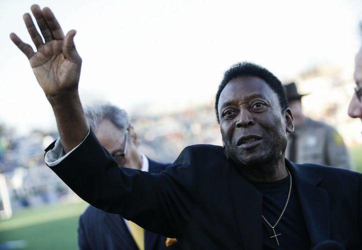 Pelé se encuentra en etapa de restablecimiento tras ser operado en Brasil de la próstata. (EFE)