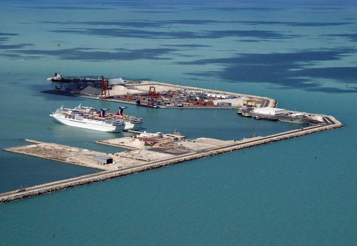 La ampliación de la terminal de Progreso permitirá el acceso a barcos de mayor calado, que se traducirá en una mayor competitividad en precios y economía. (Archivo/SIPSE)
