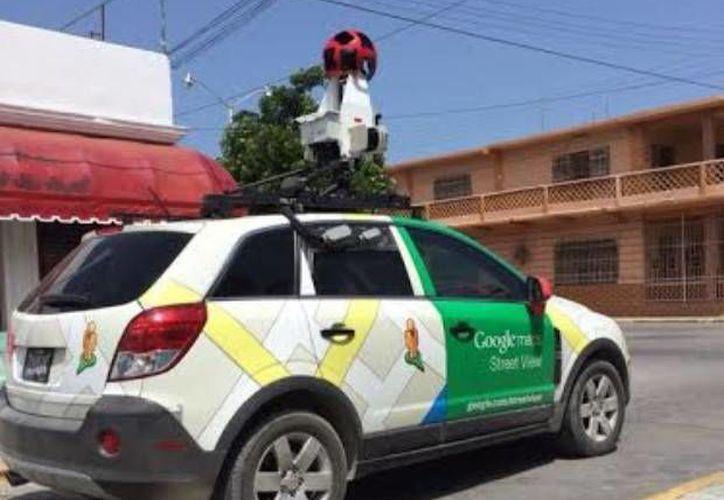 El 'Google car' en una calle del puerto de Progreso, Yucatán. (Óscar Pérez/SIPSE)
