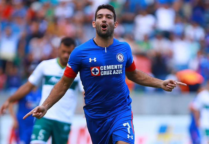 Cauteruccio logró meter un gol a favor de los celestes, en el minuto 5. (Goal.com)
