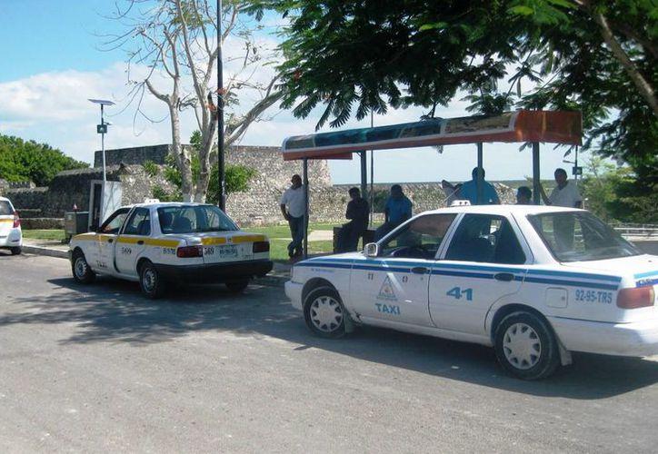 El sindicato de taxistas de Bacalar no aprovechará las fiestas decembrinas para aplicar una tarifa especial. (Javier Ortiz/SIPSE)